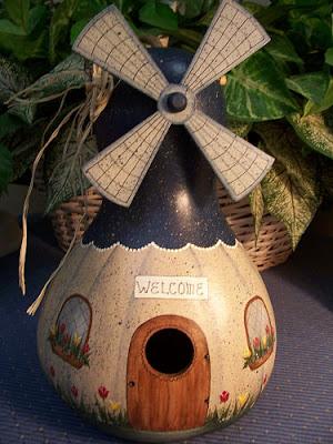 Windmillgourd Birdhouse